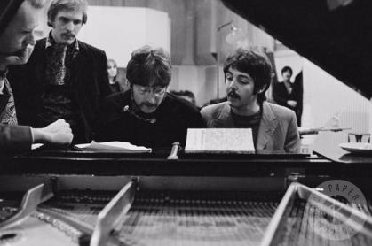 Beatles 327 - The Beatles recording - Sgt. Pepper - 1967.