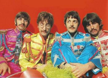 Beatles 42 - OnThis Day 30-03 in 1967 the #Beatles were photographed for the cover of 'Sgt Pepper'